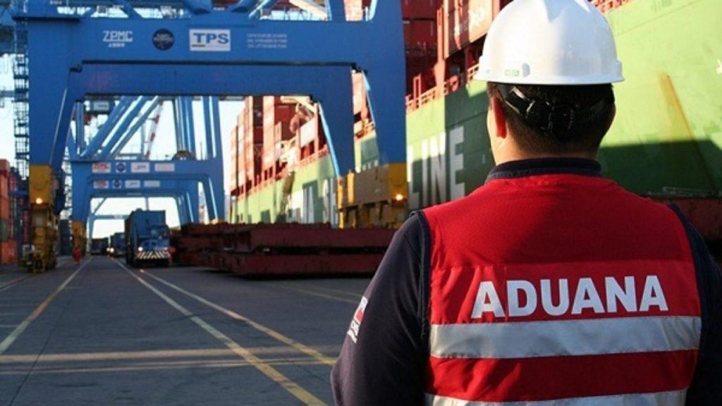 Licenciatura en Aduana y Logistica